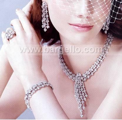 Contemporary jewellery designers London hand-made designer jewellery