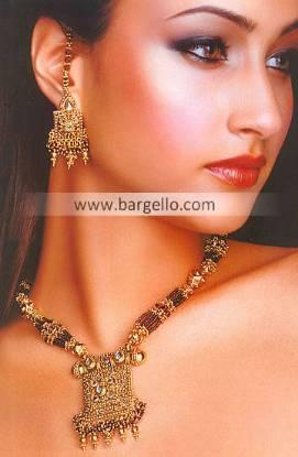 Pakistani and Indian Kundan Jewellery Set Shops Karachi