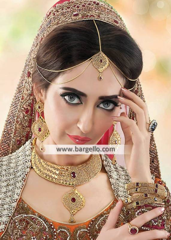 Gold Plated Bridal Jewellery Set Graceful Bridal Matha Patti and Choker Set