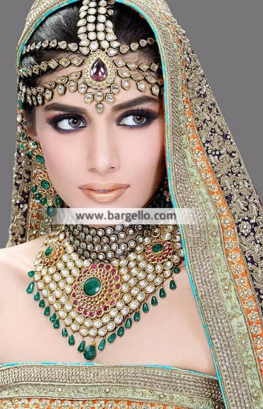 Emerald and Rose Color Wedding Jewellery Sets Manhattan New York USA Bridal Jewellery Sets