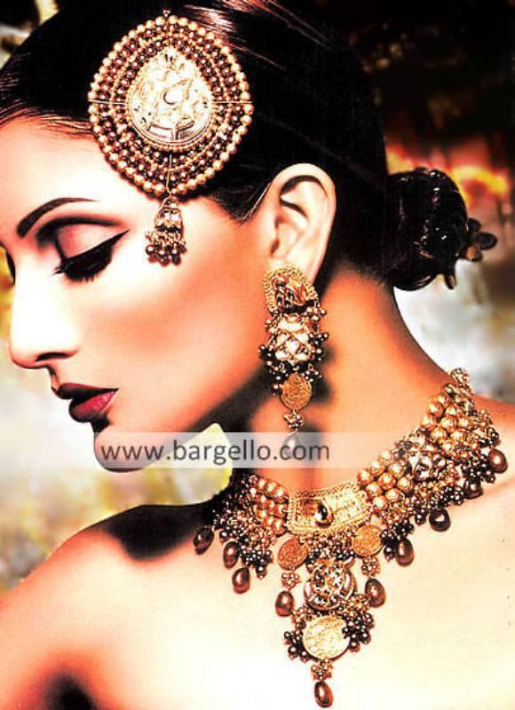 Beautiful Pakistani Designer Jewellery Set in Antique Gold Color Oldham UK Pearls Jewellery Sets
