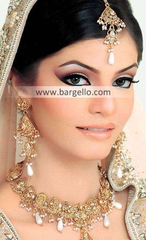 Glorious Asian Bridal Jewellery Miami Florida USA Zircon Pearls Jewellery Set